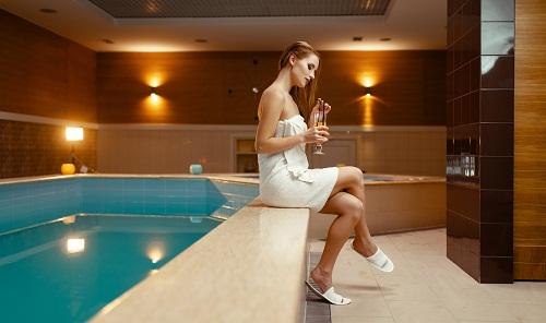 un peignoir et serviette de bain personnalisé