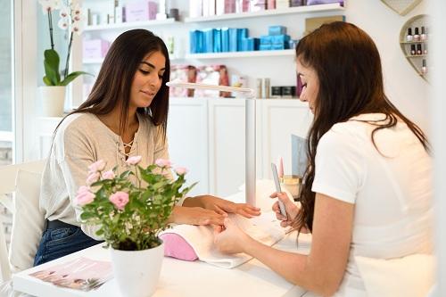 Achat des produits de soin des ongles dans une boutique nail art en ligne