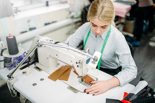 matériel de couture choisir pour une école de mode